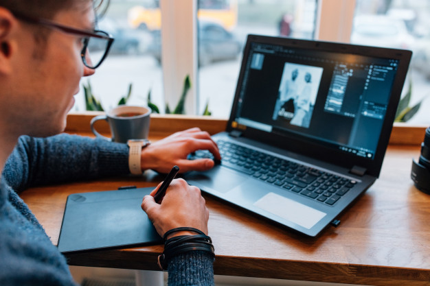 Entrepreneur using Design Tools